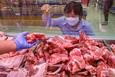 Giá cả thị trường hôm nay 18/10: Cuối tuần, La Maison, VinMart, King Of Beef tăng cường khuyến mãi thịt heo, thịt bò