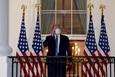Phe Trump cố sức lôi kéo cử tri bằng thông điệp 'chiến thắng bệnh tật'