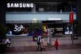 Nhu cầu chip nhớ tăng mạnh không thể giúp Samsung bù đắp doanh số điện thoại giảm vì COVID-19