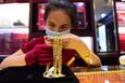 Giá vàng hôm nay 11/8: Vàng SJC tiếp tục giảm mạnh về 57 triệu đồng/lượng