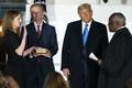 Ông Trump đưa được người vào Tòa án Tối cao, cuộc bầu cử thêm khó đoán