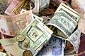 Tỷ giá ngoại tệ ngày 26/2: Vietcombank giảm giá nhiều đồng ngoại tệ