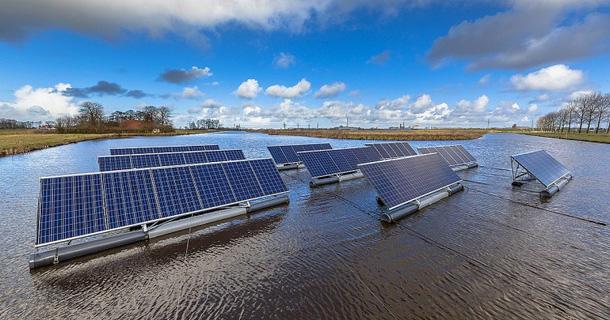 Litva xây dựng nhà máy điện mặt trời nổi - Ảnh 1.