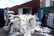Doanh nghiệp nhựa 'khóc' vì bị siết nhập khẩu phế liệu