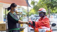 Go-Viet tặng 100.000 bữa ăn, phát phiếu mua hàng cho tài xế