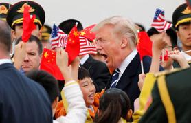 Làm sao ông Trump trừng phạt Trung Quốc mà không tự hại mình?