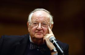 Nhà kinh tế đoạt giải Nobel nhận định về vấn đề đánh thuế tài sản
