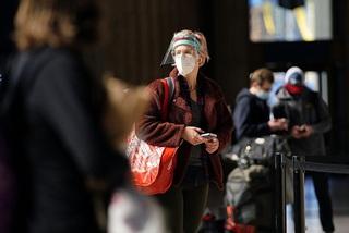 Cập nhật tình hình dịch COVID-19 ngày 29/11: Hàng triệu người Mỹ đi du lịch trong Lễ Tạ ơn, ca nhiễm mới dự kiến tăng cao
