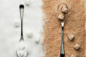 Nhập khẩu đường trắng hay đường thô?