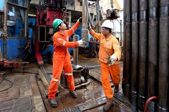 PVN hoàn thành sớm kế hoạch khai thác dầu thô trong nước năm 2018